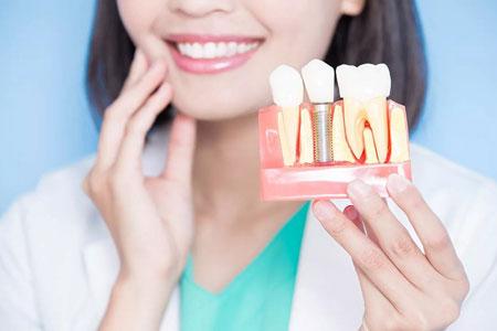 Имплантация зубов при пародонтозе и пародонтите: возможные методы