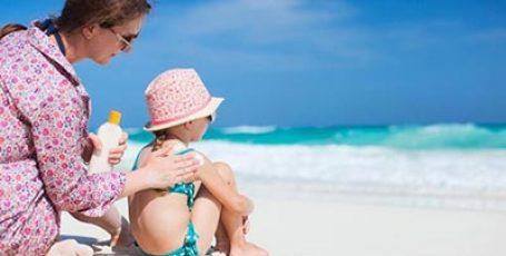Ребенок обгорел на солнце – что делать, чем помазать сгоревшие места на коже в домашних условиях