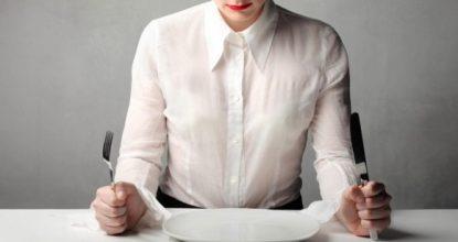 Голодный обморок – первые признаки, симптомы, причины развития, через сколько наступает после голодания?