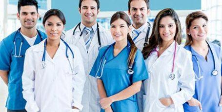 Как правильно выбрать медицинский халат?