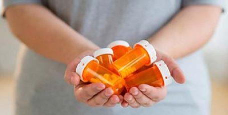 Таблетки от недержания мочи у женщин разного возраста